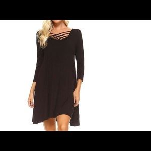 Dresses & Skirts - Women's Black Dress Criss cross Front New Medium
